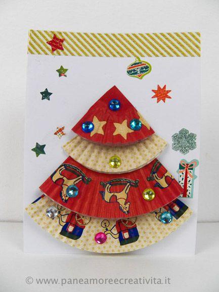 Come Fare I Lavoretti Di Natale.Lavoretti Di Natale Come Fare Un Biglietto Di Natale Con I Pirottini Cupcake Craft For Christmas Biglietti Di Natale Lavoretti Invernali Natale