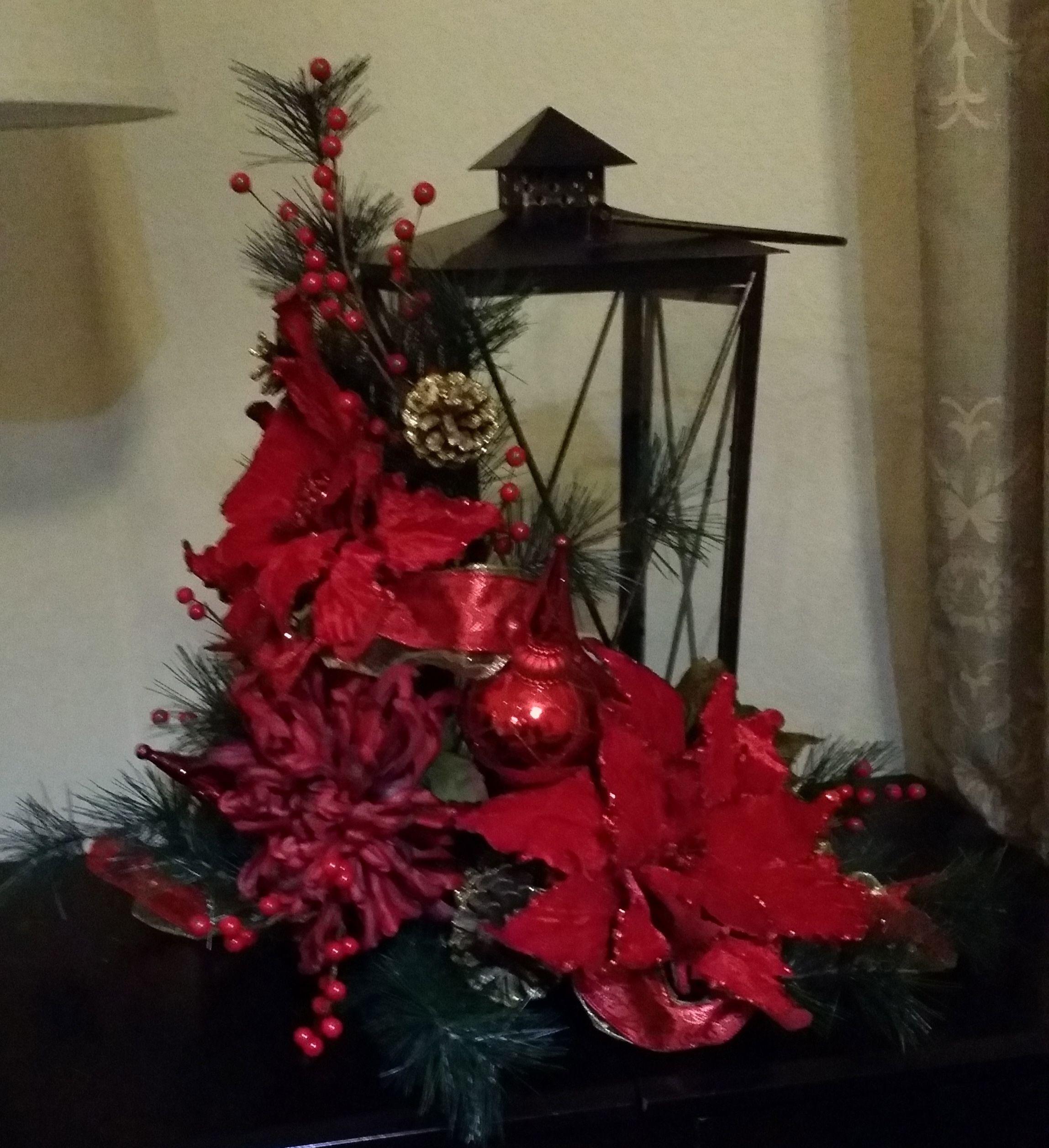 Christmas Lantern Lantern With Red Poinsettias Christmas