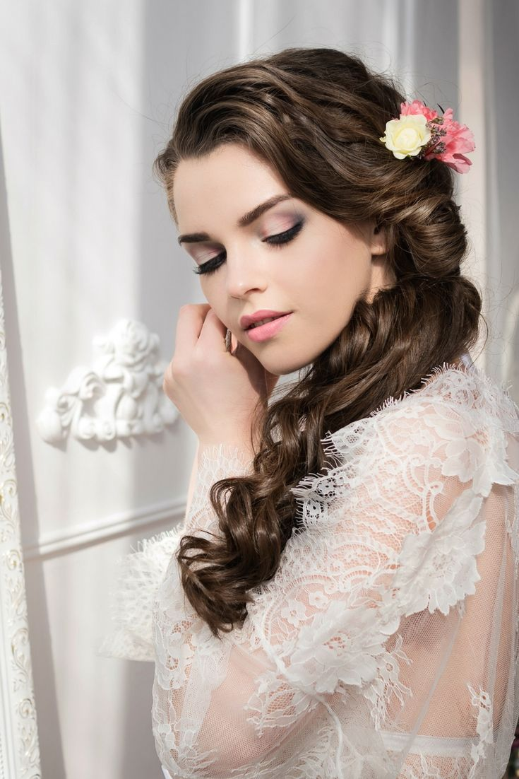 Beautiful wedding hair styles collections still finding for the