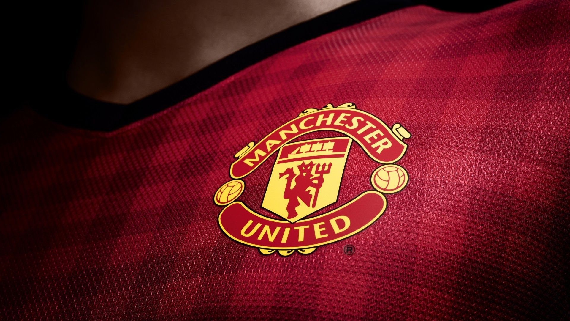 Manchester United Football Logo Hd Wallpaper Manchester United Manchester Sepak Bola