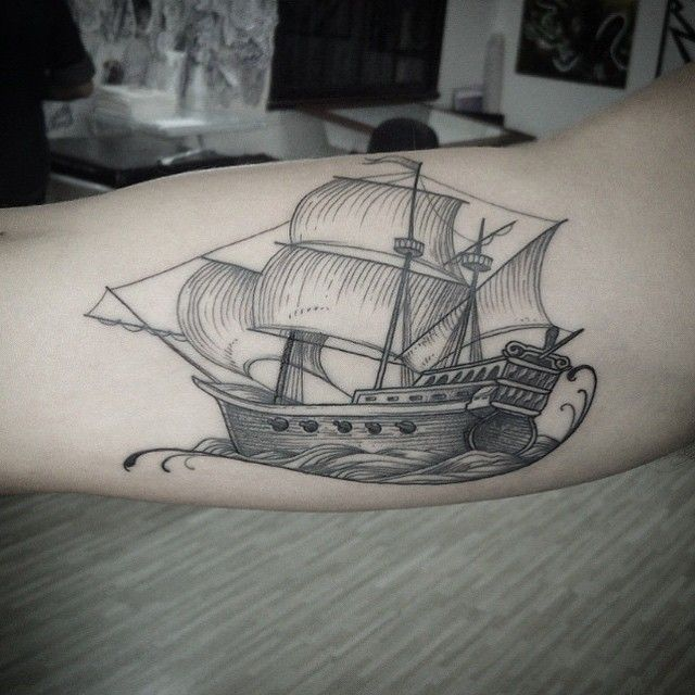 """Tatuagem feita por <a href=""""http://instagram.com/bonilucenatattoos"""">@bonilucenatattoos</a>!"""