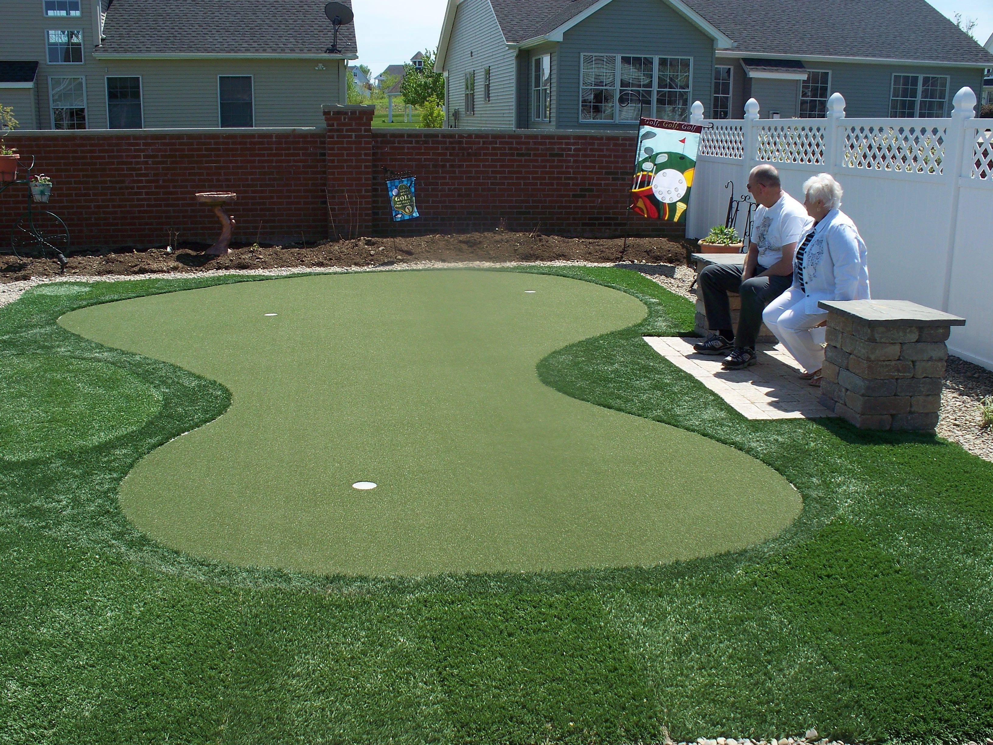 Get rid of your lawnmower! Backyard Golf Green, Artificial ...