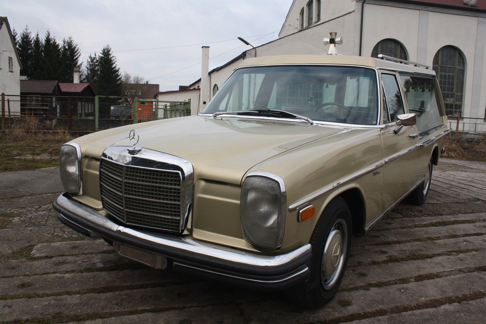 1972 mercedes benz 250 funeral coach hearse w115 for 1972 mercedes benz