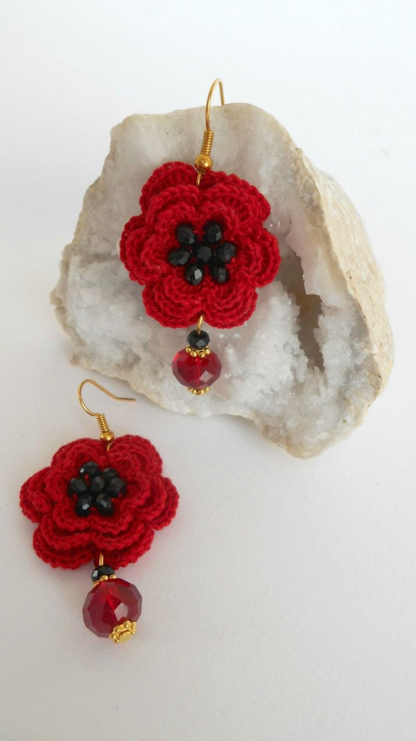 Valentines day gift ready to ship -Crocheted flowers dangling Earrings in Red cotton - gift for her (15.00 EUR) by LAlabastroCreazioni