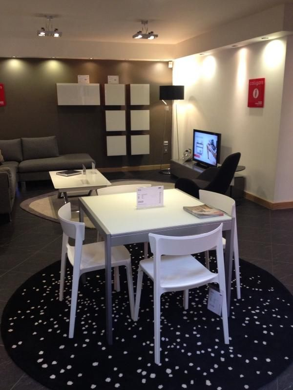 Calligaris key table and skin chairs show rooms and for Calligaris key table