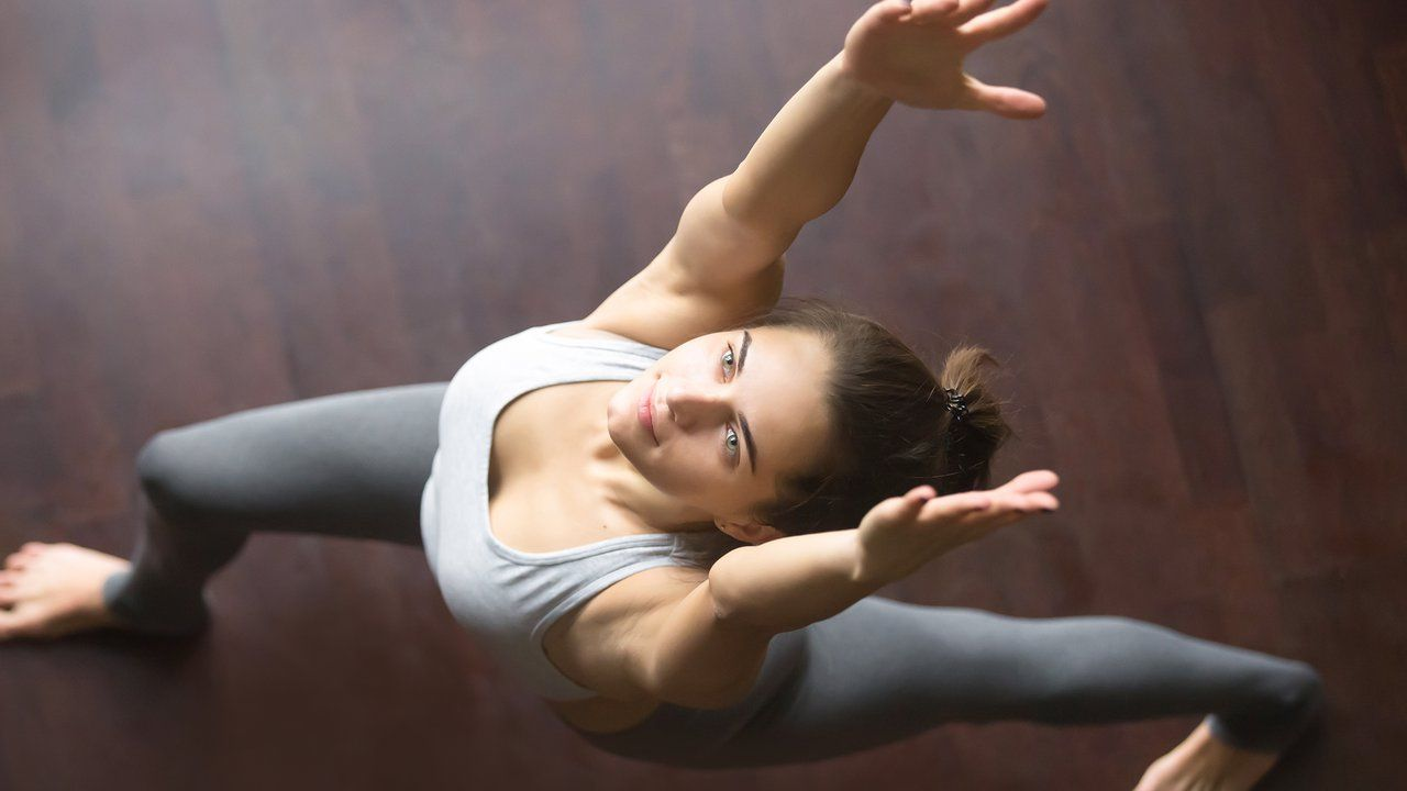 10-Minute Yoga Routine for Vinyasa and Flow: Video ...