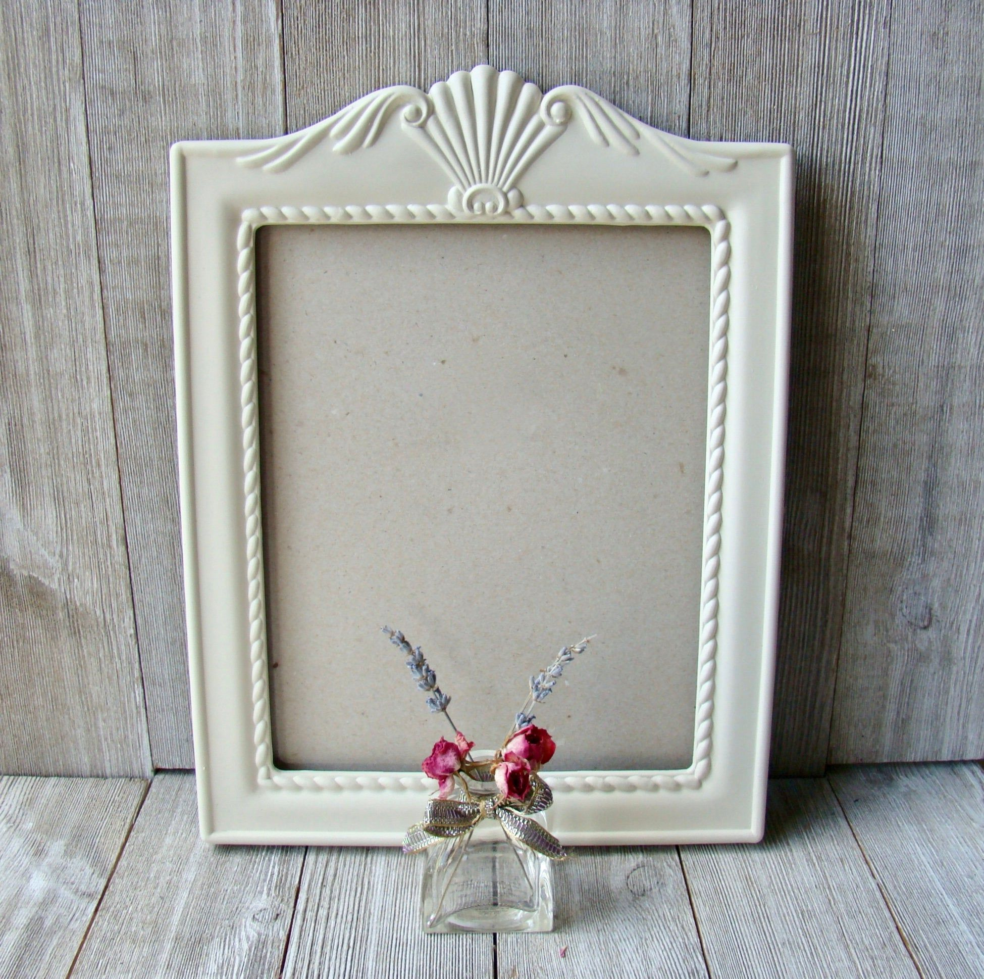 Vintage 8 X 10 Ornate White Picture Frame In 2020 White Picture Frames Distressed Picture Frames White Distressed Frame