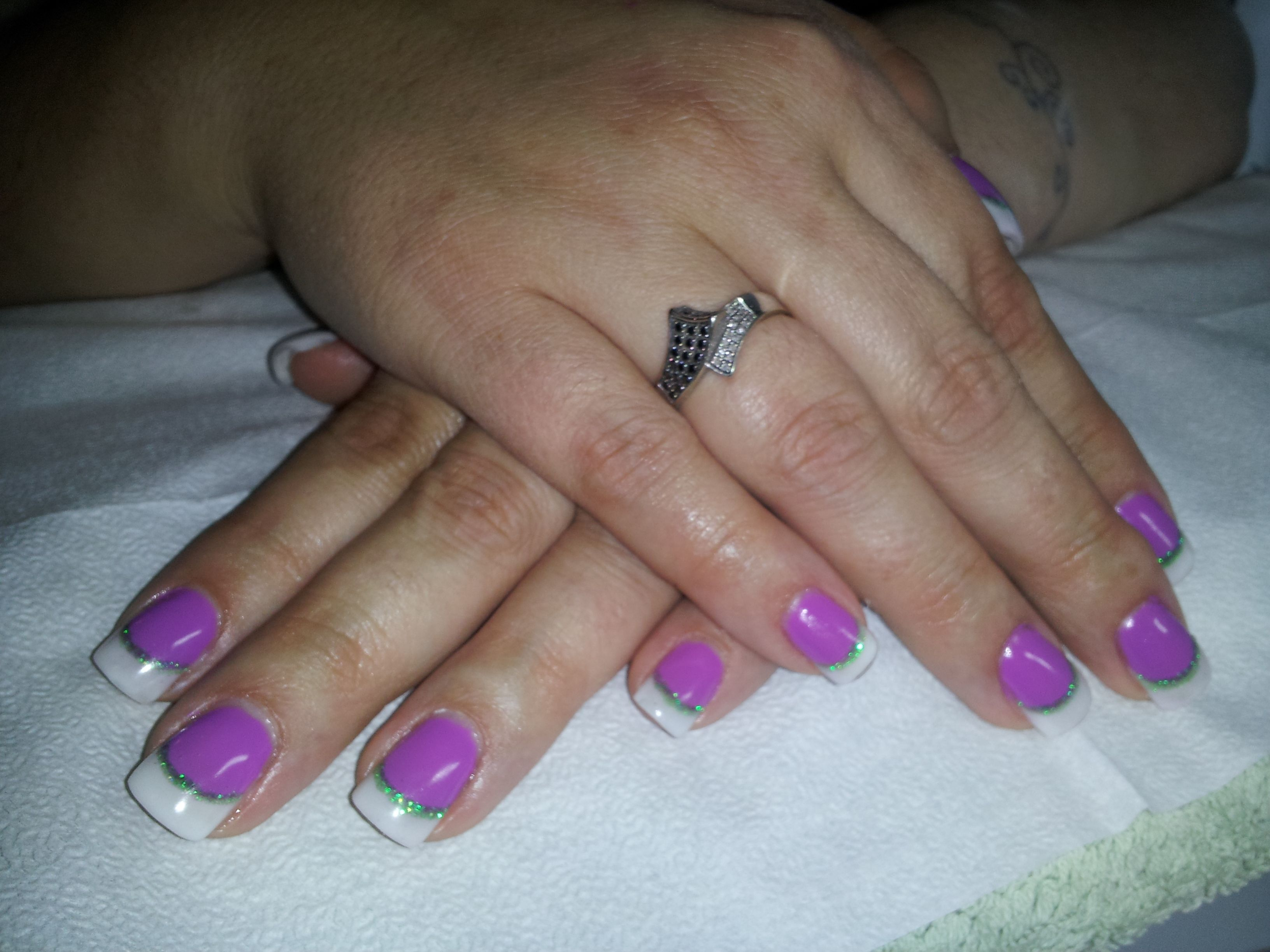 Purple En Vogue Gel Nails with French Tips & Green Sparkle Accent ...