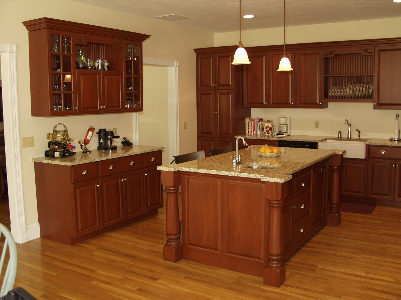Kitchen quartz countertops with oak cabinets cabinets with for Cherry and white kitchen cabinets