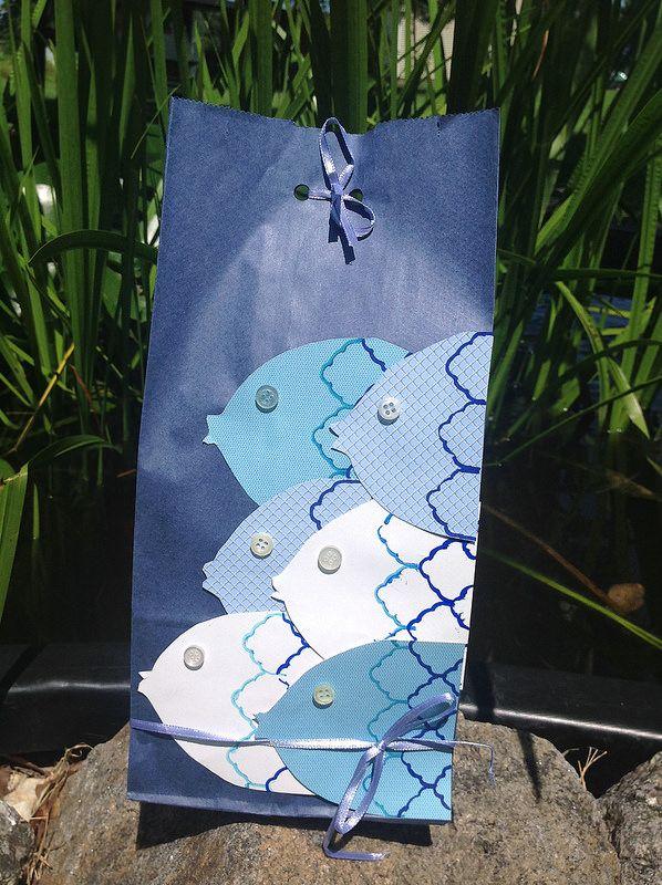Fishy Gift Bag   Simple Fish with Button Eyes http://www.pinterest.com/bethob/wrap-it-up-with-a-little-whimsy/