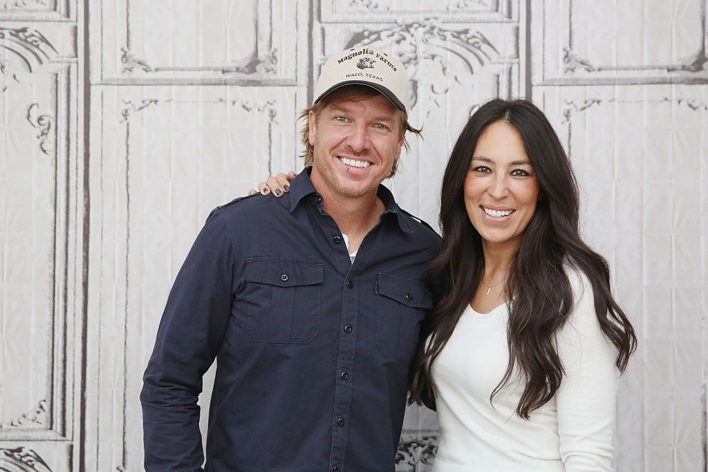 Pin By Julie A Stuckey On Fixer Upper Chip And Jo Chip And Joanna Gaines Magnolia Joanna Gaines