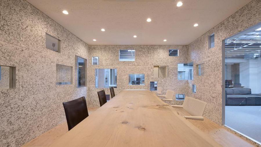 The interior view of the meeting room, Image Courtesy © Yasutake Kondo
