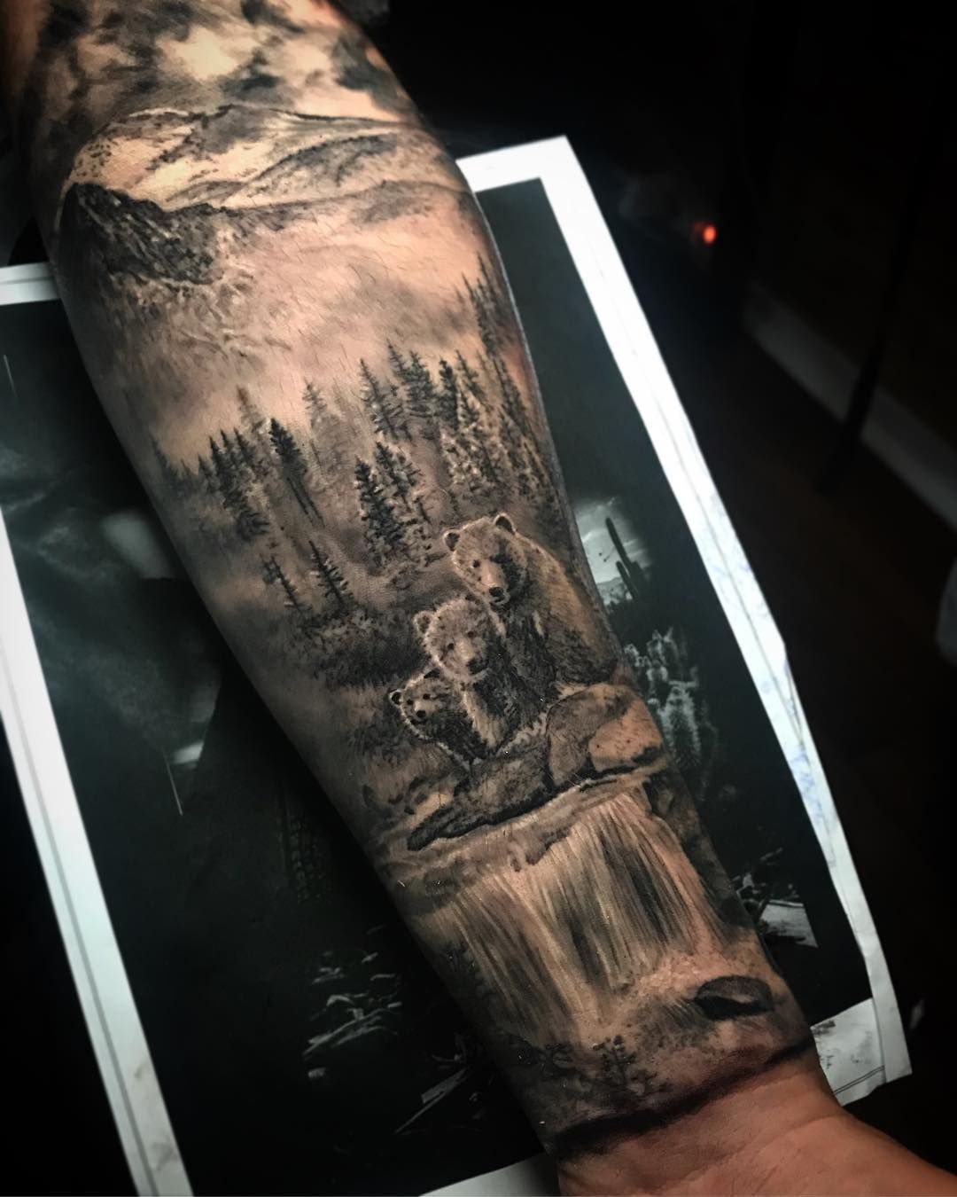 Cool Tattoo Ideas For Men And Women The Wild Tattoo Design Pictures 2019 Wolf Tattoo Sleeve Bear Tattoo Designs Nature Tattoo Sleeve