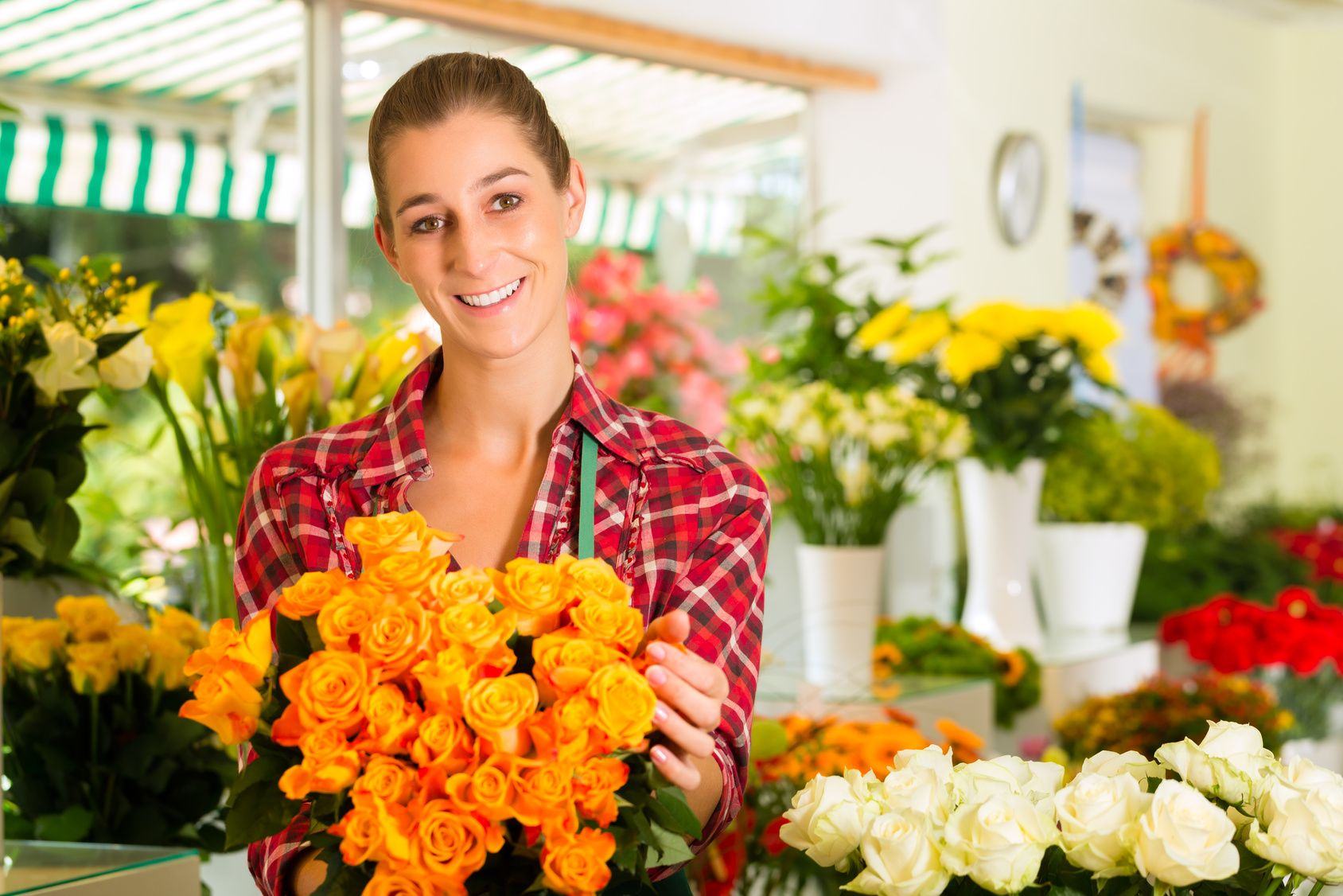 Newboroughflorists‬ same day flower delivery Call (03