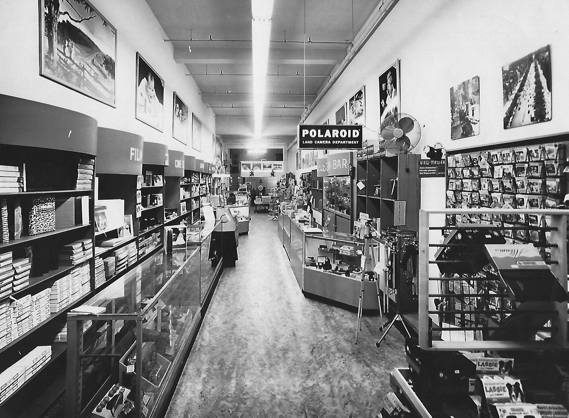Inside Deluca S Camera Store In Reading Pa In The Late 1950 S Camera Shop Camera Store Old Camera