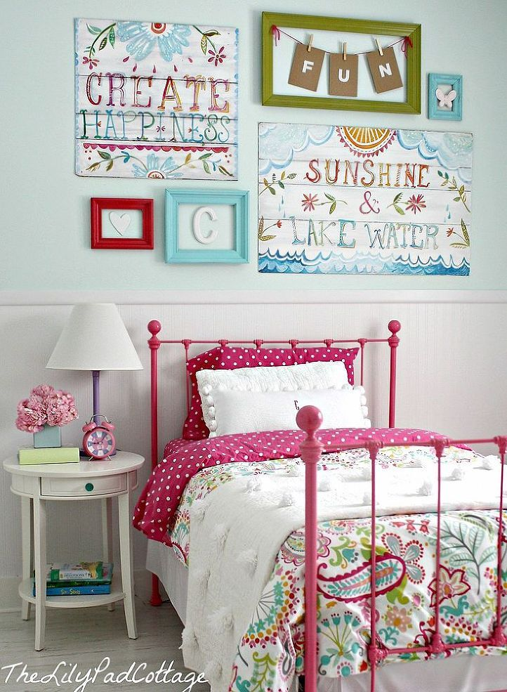 Blend Bright Colors Beach Cottage Style In This Brilliant Big Best Big Bedrooms For Girls