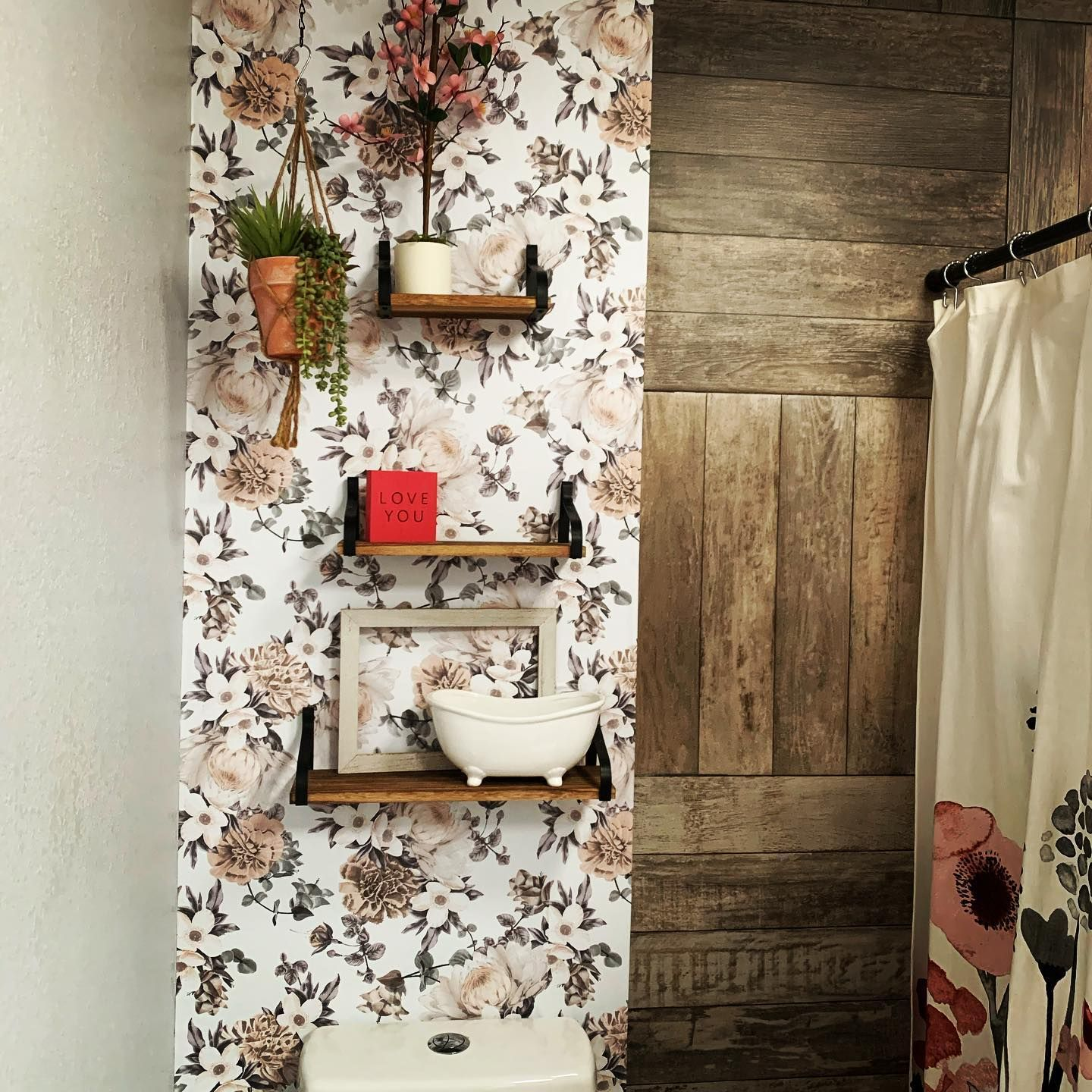 Refreshing Bathroom Wallpaper Ideas To Try In 2021 Removable Wallpaper Bathroom Remodel Idea Bathroom Wallpaper