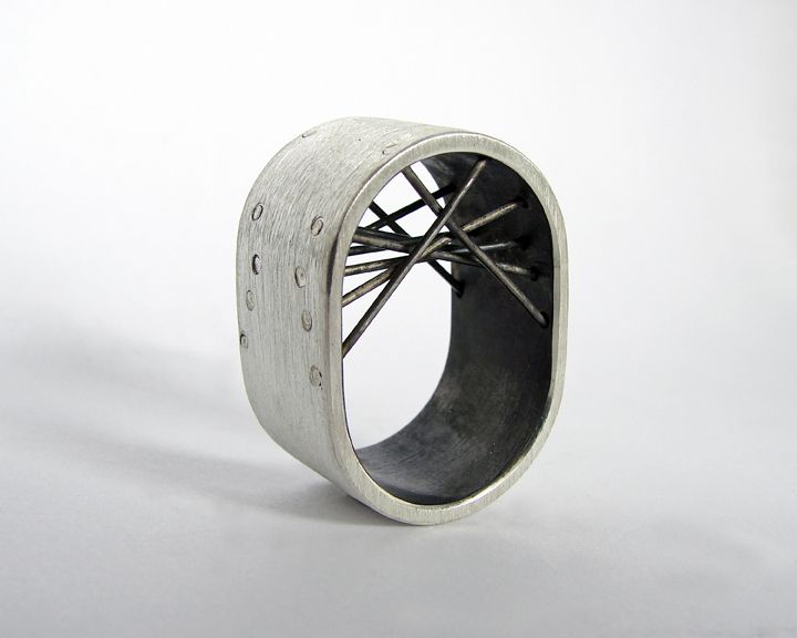 tube series bridge ring from Gustavo Paradiso Contemporary Jewelry by DaWanda.com