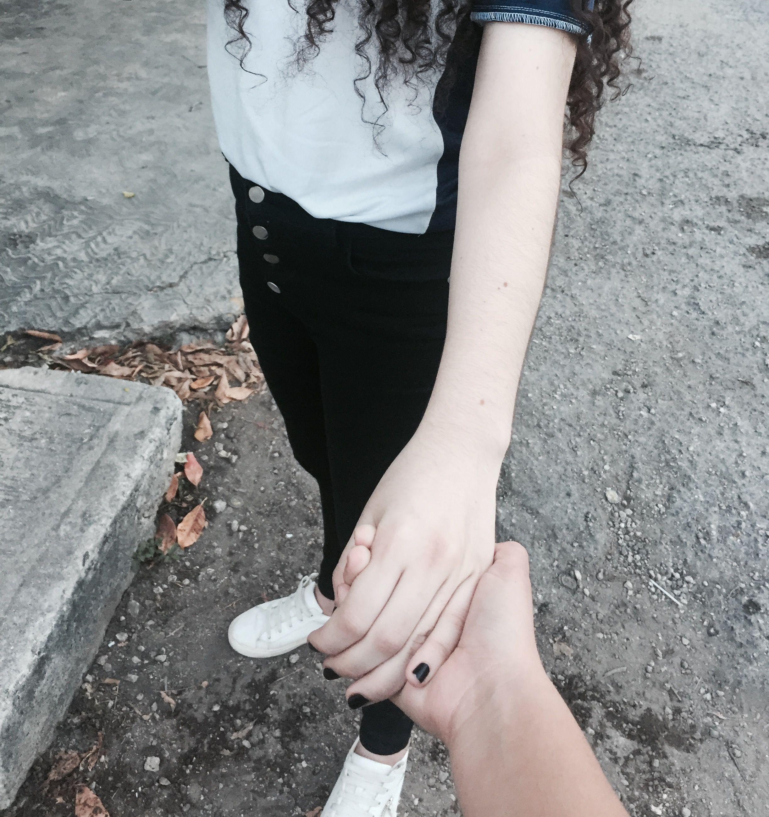 tumblr fotos agarrados de la mano pareja pinterest tumblr