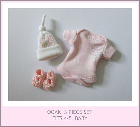 tenue pour 4-5 » ooak sculpter -, chaussures, chapeau, cache-couche