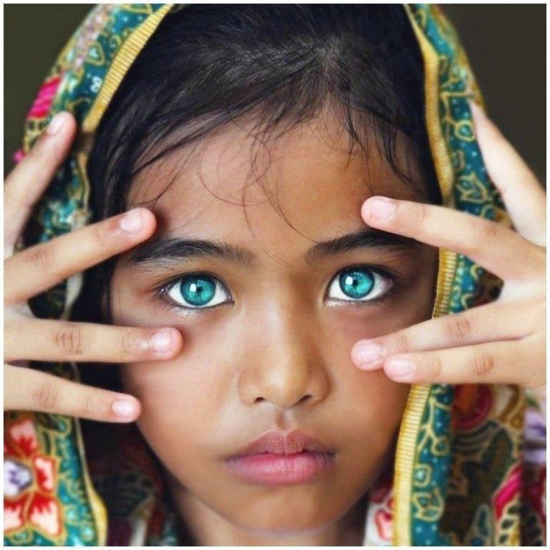 31 People With The Most Striking Eyes In The World First For Women In 2020 Beautiful Eyes Color Most Beautiful Eyes Beautiful Eyes