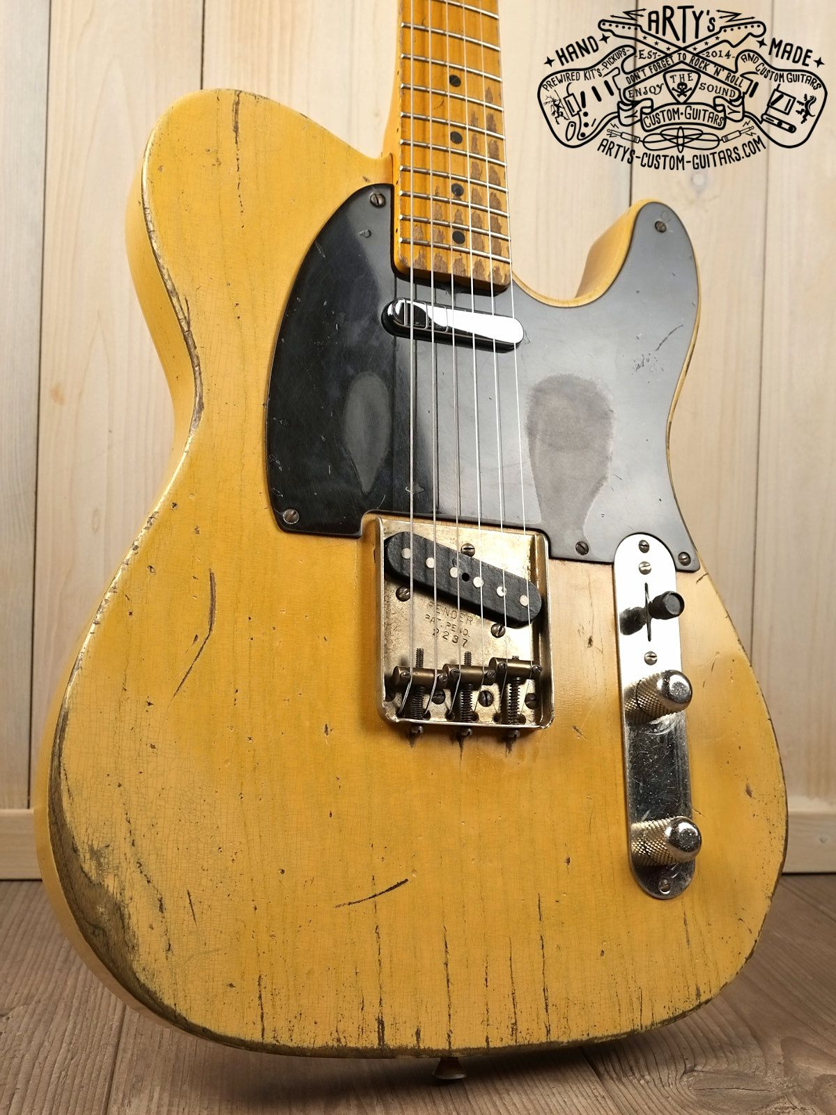 Broadcaster Butterscotch Blonde Telecaster heavy relic Tele Maple Neck Swamp Ash Body Bakelite Pickguard aged Nitro