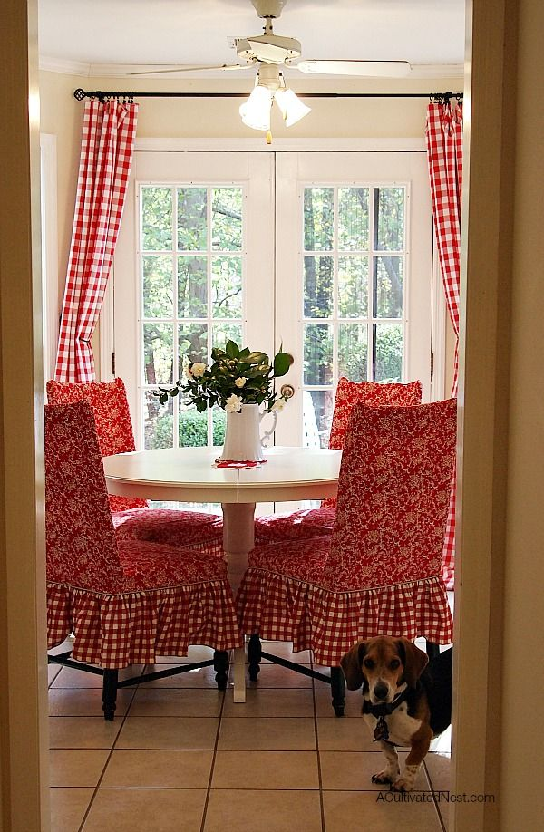 Room · Pretty Red And White Dining ...
