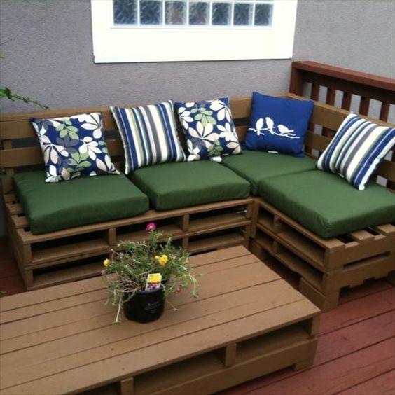 Gartenmöbel: +40 Modelle an Caprichar im Außenbereich - Karol Soares #diypalletfurniture
