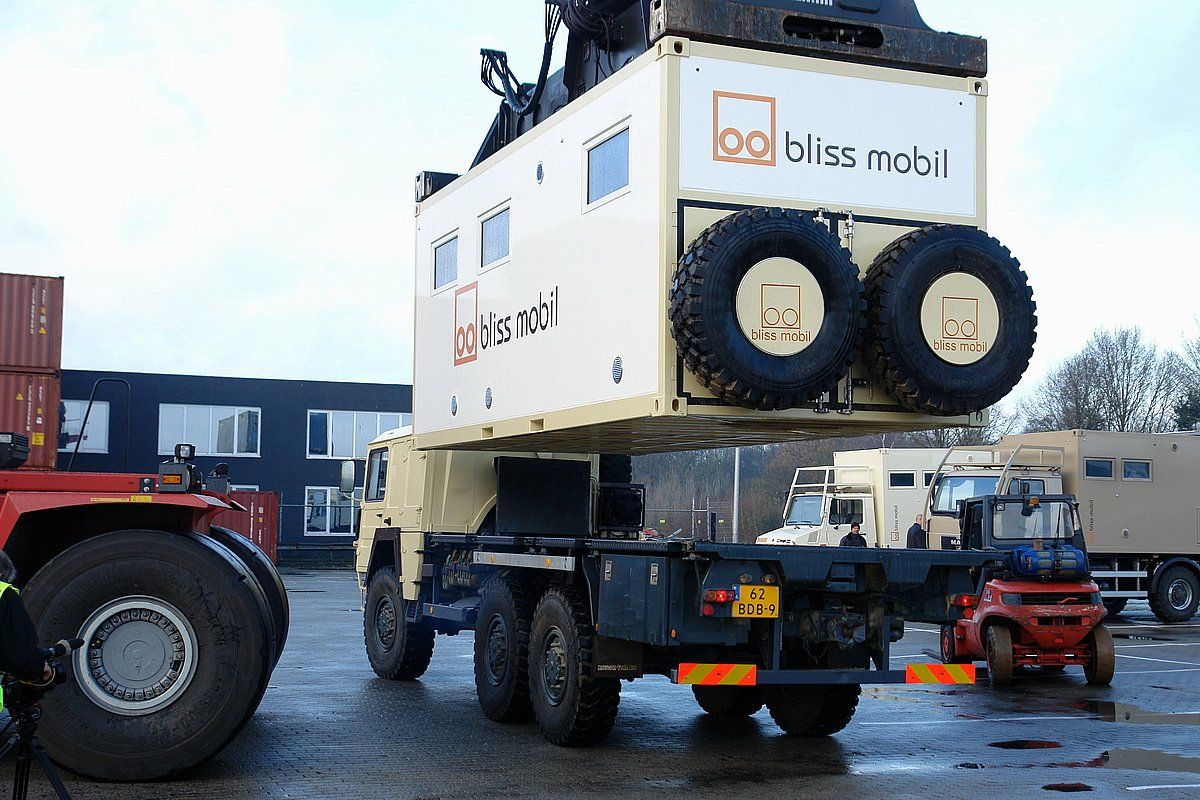 Blissmobil Expedition Vehicle The Freedom Of Independence Expedition Vehicle Gallery Expedition Vehicle Overland Truck Camper Equipment