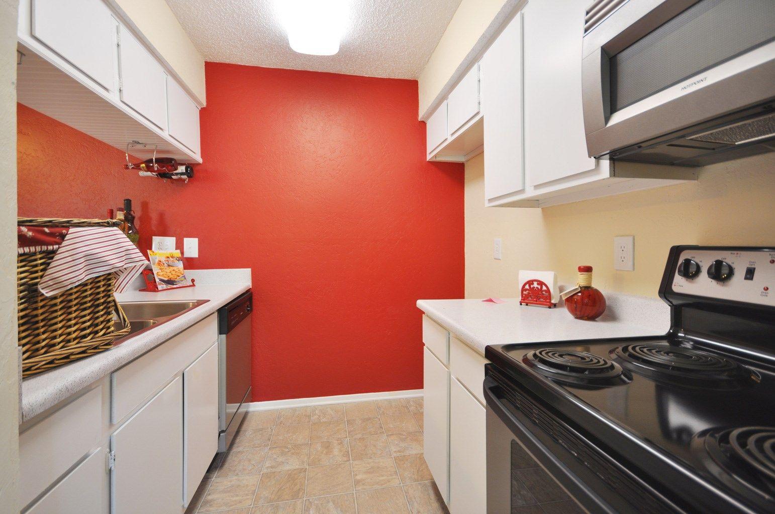 972 596 2919 1 2 Bedroom 1 2 Bath Fairways Apartments 1705 Coit Road Plano Tx 75075 Apartments For Rent Apartment Dallas