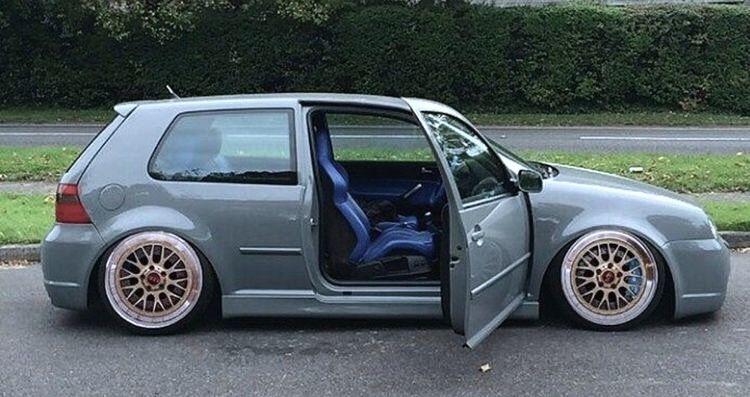 VW. Mk.4 Golf R32