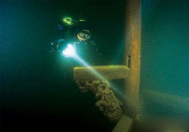 Lost City found Underwater in China 6