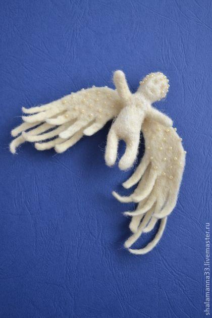 Броши ручной работы. Ярмарка Мастеров - ручная работа Ангел -хранитель. Handmade.