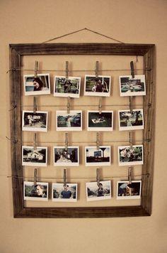 Bilderrahmen zum selber machen. Klasse Idee. Einen Bilderrahmen aus altem Holz bauen und dann Fotos an Wäscheklammern und Paketschnur aufhängen. Auf die Wäscheklammern kann man auch noch Details über  (Cool Crafts For Gifts)