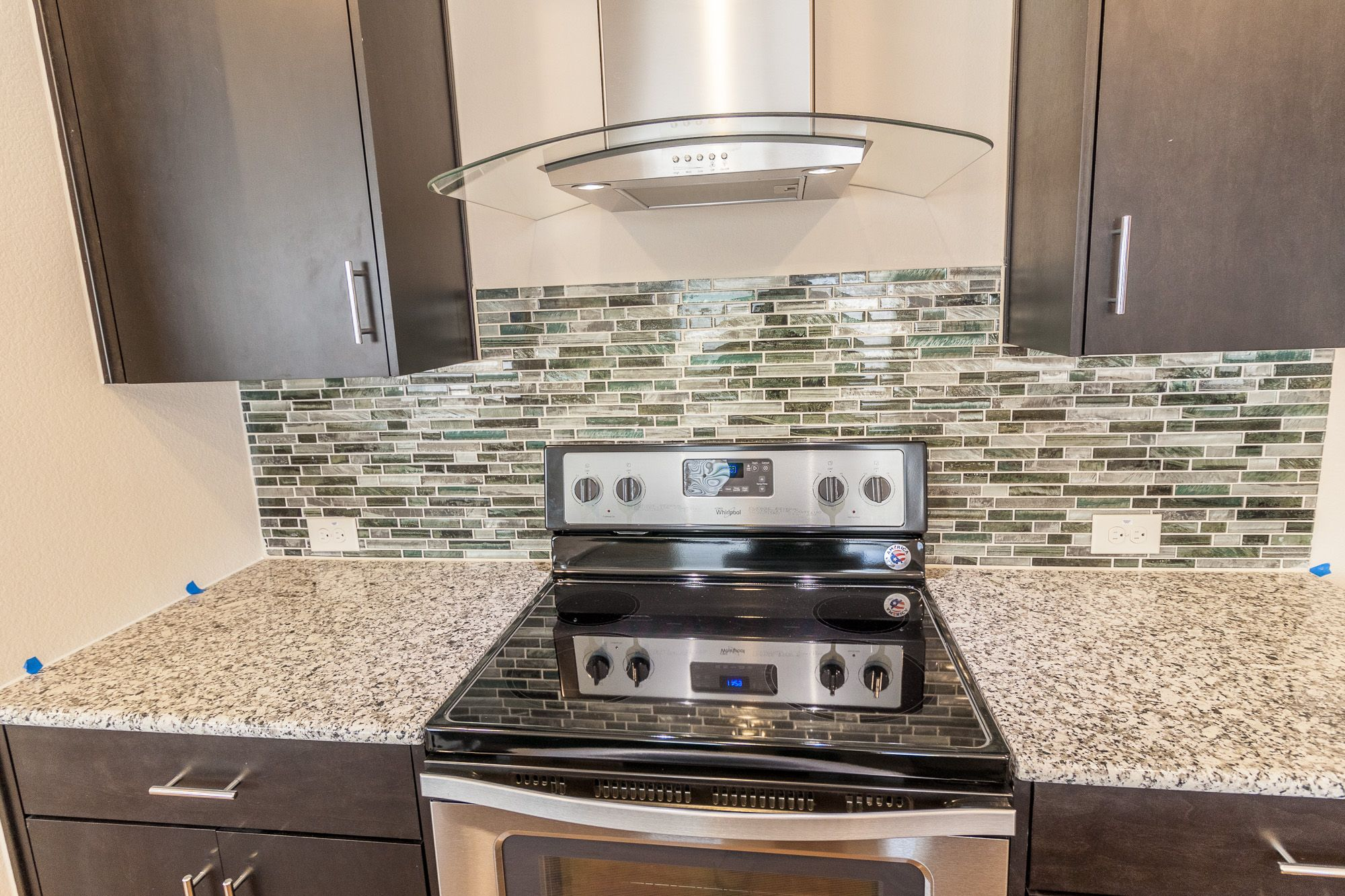 Backsplash Tiger Eye Glass Indio Stainless Granite Sparkling White