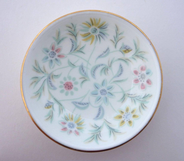 Minton Vanessa Bone China Pin Dish  Trinket Dish  small jewellery  jewelry storage bowl  S678bone