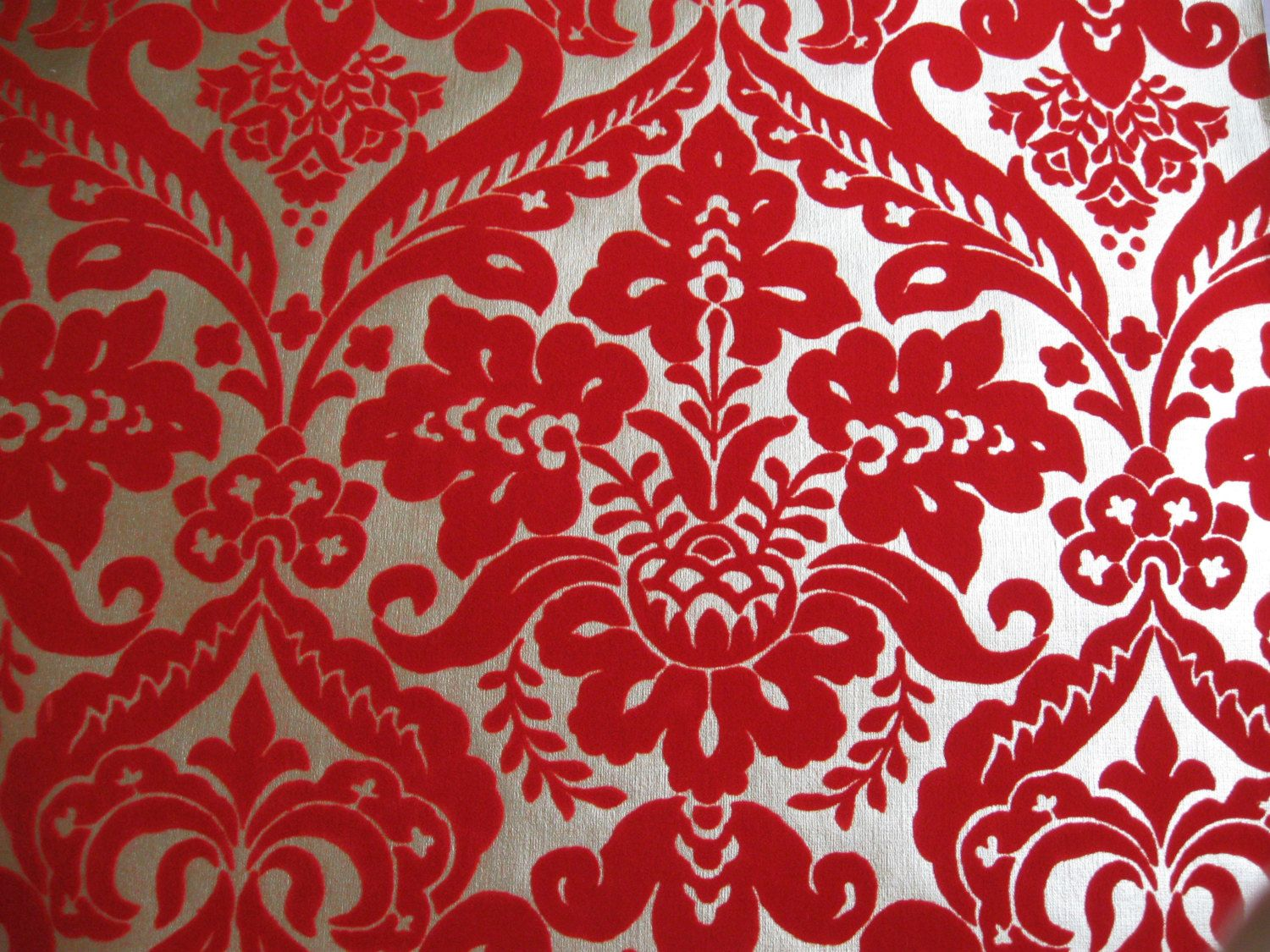 Red Wallpaper Bedroom Ideas Part - 42: Full Roll Flocked Metallic Red And Gold Wallpaper