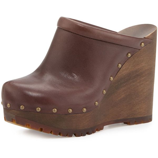 See By Chloe Clive Studded Leather Clog (£290) ❤ liked on Polyvore featuring shoes, clogs, brown mousse, brown leather clogs, platform clogs, studded shoes, brown platform shoes and brown slip on shoes