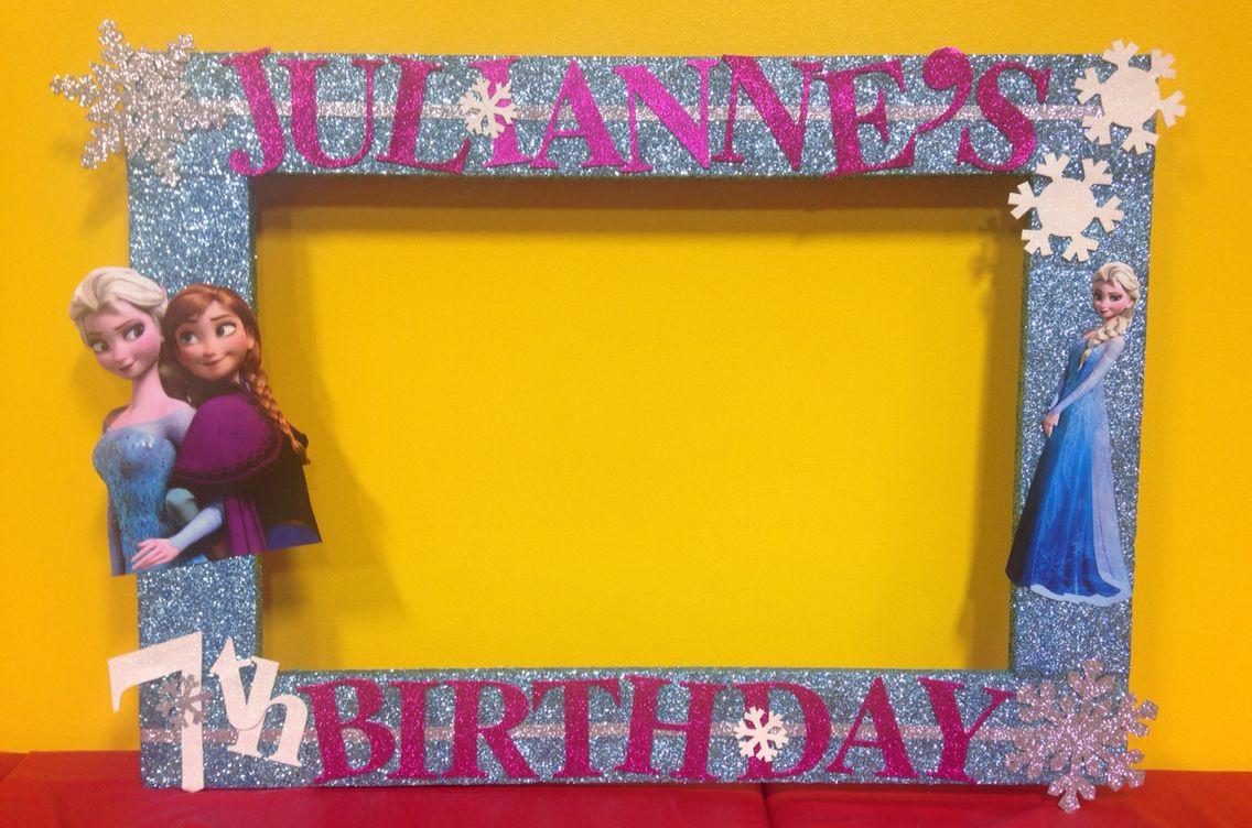 frozen photo booth frame prop rubyskreations pinterest d co party deco reine des neiges. Black Bedroom Furniture Sets. Home Design Ideas