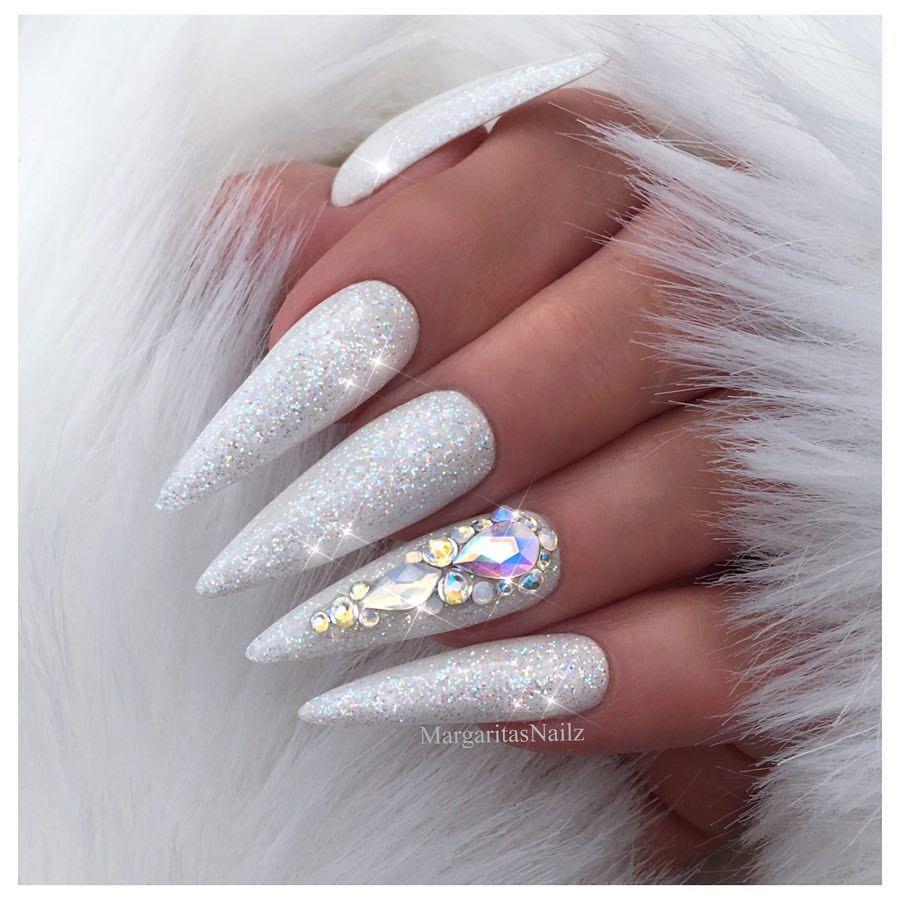 White Glitter Almond Nails Bling Stilettos Winter Nail Art Design Fashion Vetro Usa Glit Stiletto Nails Designs White Stiletto Nails Gorgeous Nails