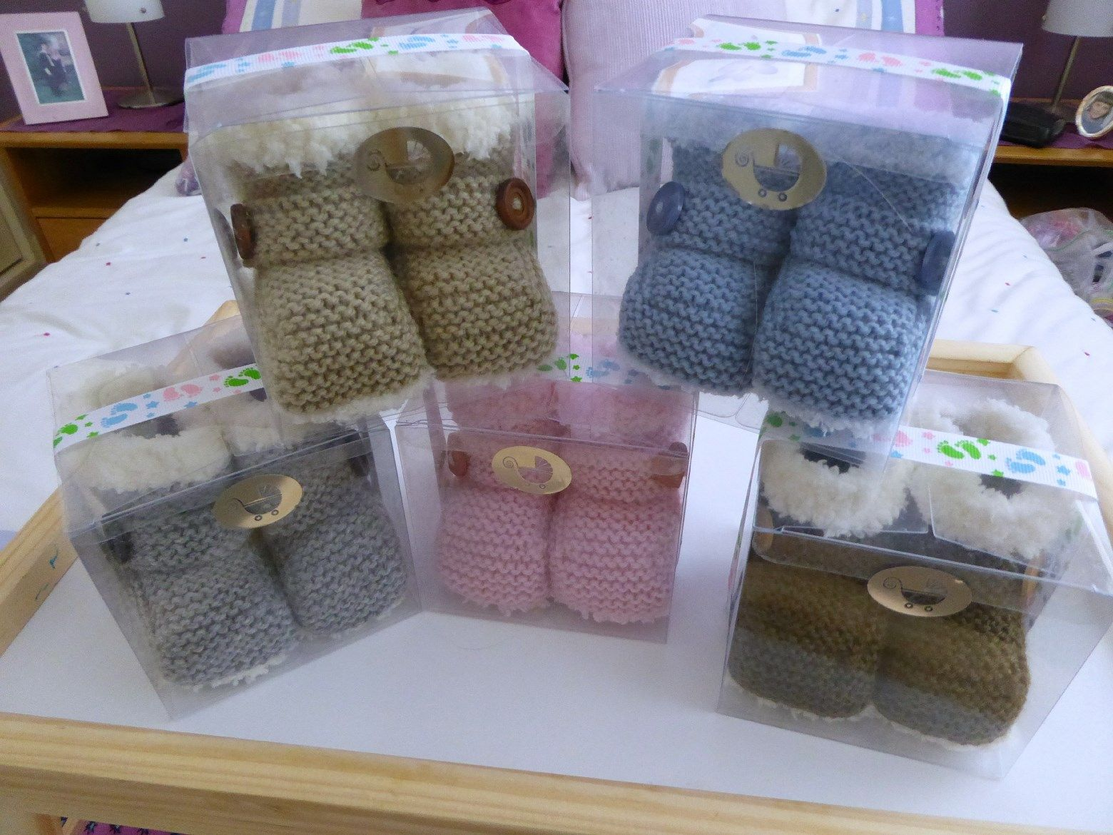 Packaging for my baby uggs and booties - clear cupcake boxes ...