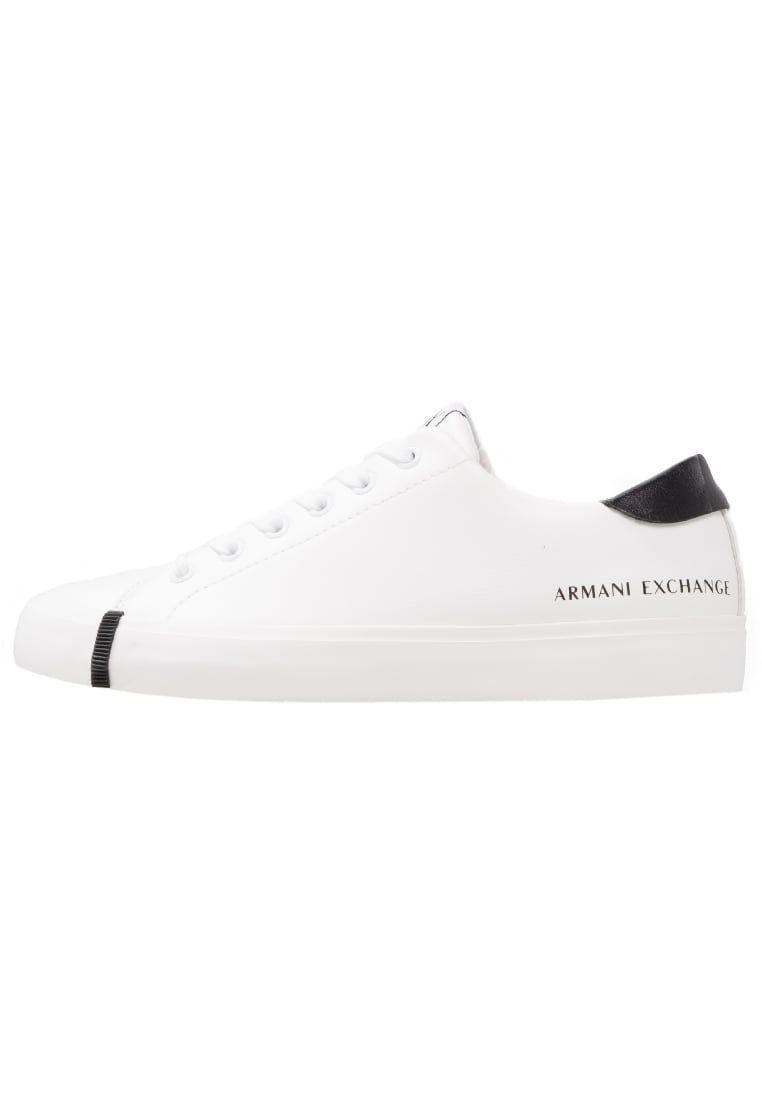 86c958b5c36 ¡Consigue este tipo de zapatillas bajas de Armani Exchange ahora! Haz clic  para ver