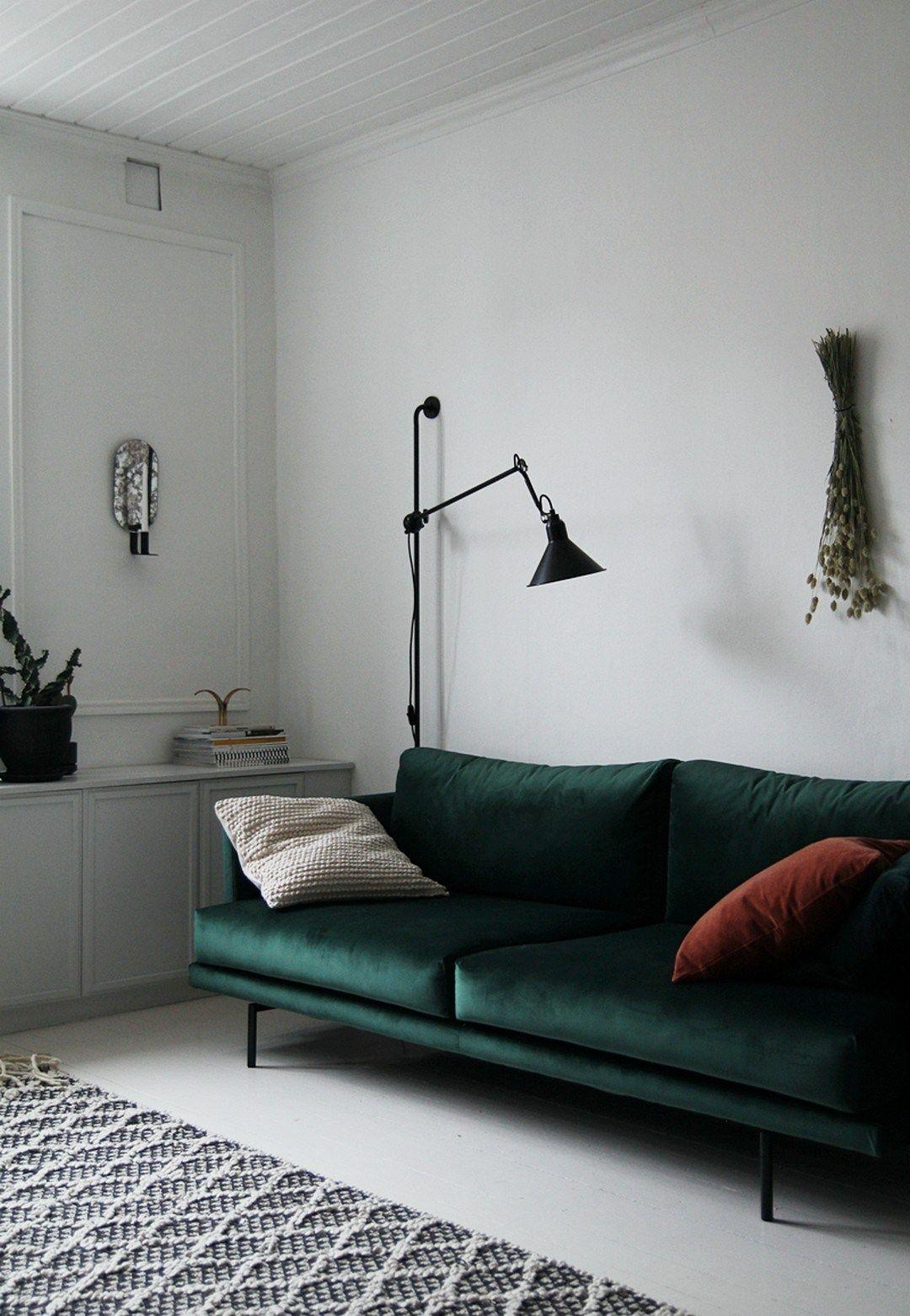 38 Green Velvet Sofa Design Ideas To Makeover Your Living Room With Images Velvet Sofa Living Room Living Room Sofa Green Velvet Sofa