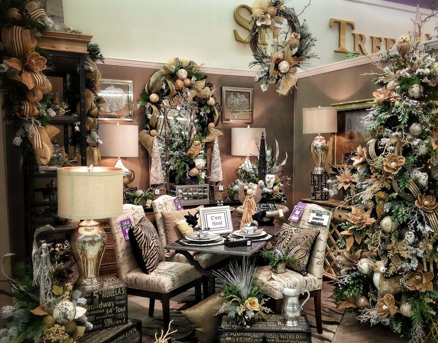 French Country Christmas Decorating Ideas: French Country Christmas Chic With Splashes