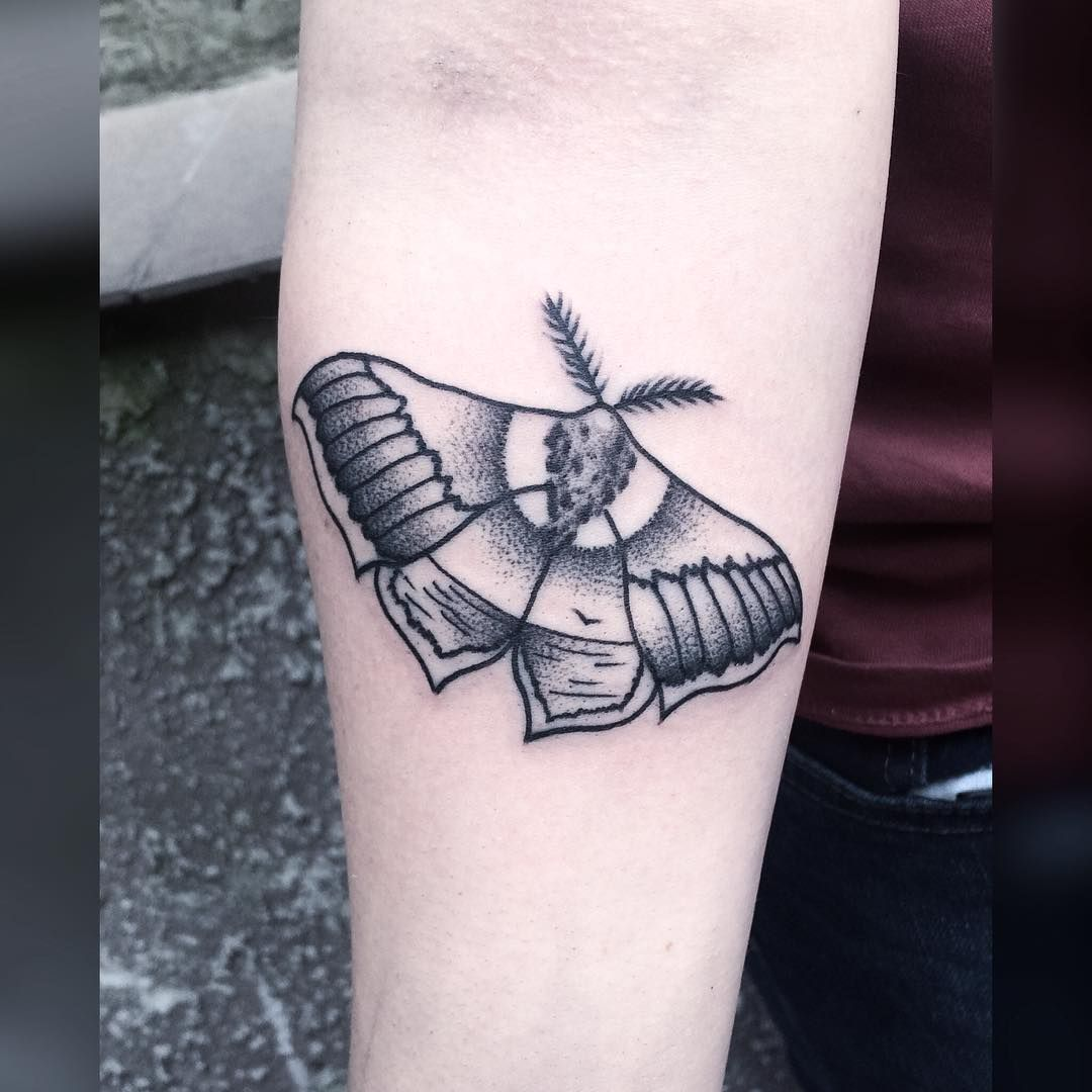 #tattoo #black #blackink #blackwork #blacktattoo #blackworkers #blackworkers_tattoo #blxckink #FORMink #dot #dots #dotwork #dotworkers #flashworkers #darkart #darkartists #art #onlyblackart #blackndark #bw #polandtattoos #moth #holidays #sea