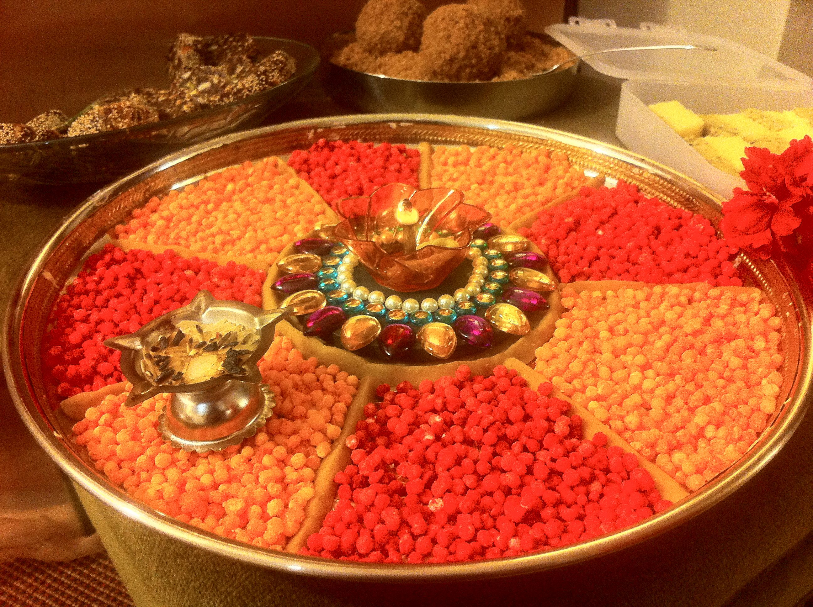 Ganpati pooja hindu weddings pinterest for Aarti thali decoration ideas for ganpati