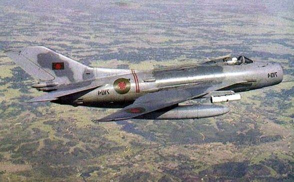 МиГ-19 - реактивный истребитель второго поколения ...
