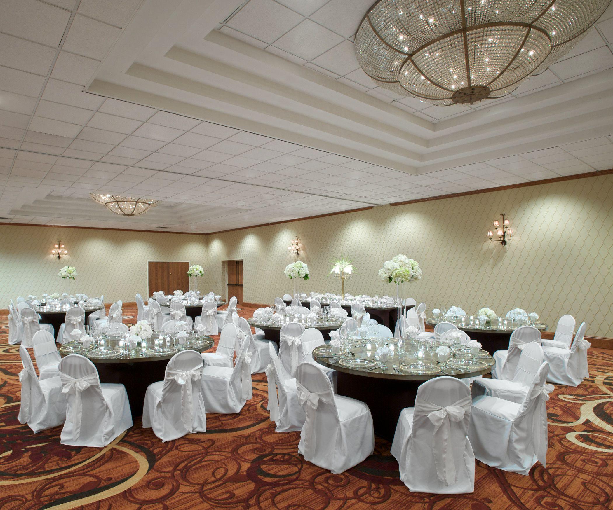 http://www.sheratonminneapoliswest.com/lake-minnetonka-wedding-venues