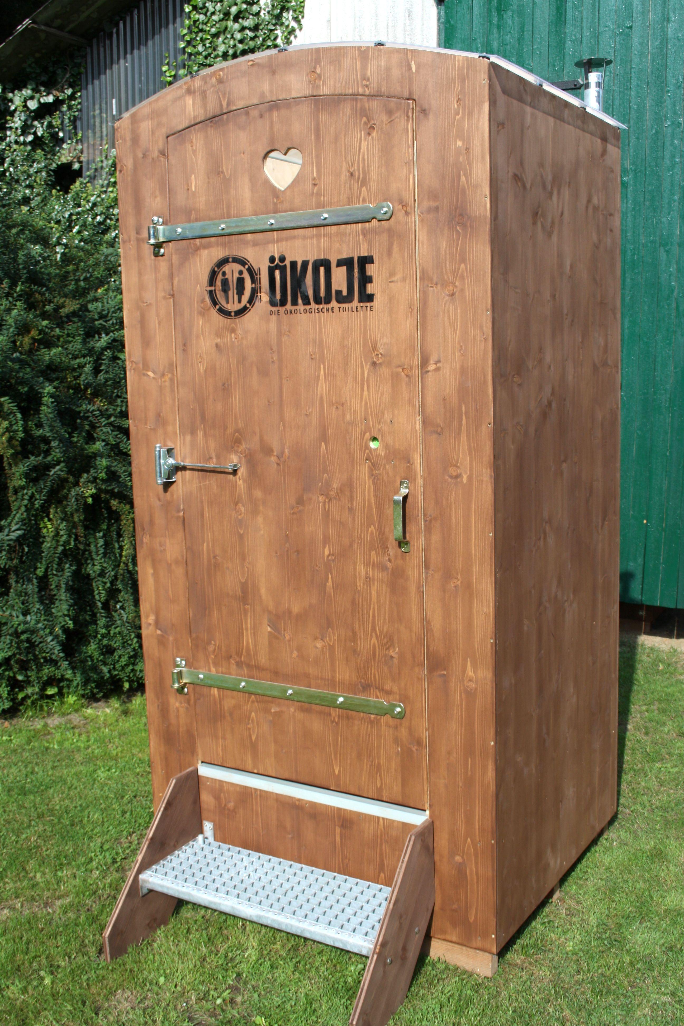 Die Okoje Lasst Den Toilettenbesuch Zu Einem Benutzerfreundlichen Und Okologischen Ereignis Werden Komplett Ohne Chemie Komposttoilette Vermietung Toiletten