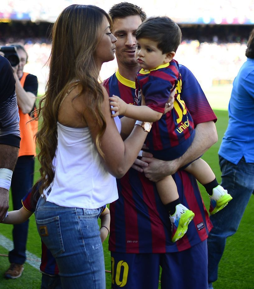 Lionel Messi Wife Images 6 Lionel Messi Wife Lionel Messi Lionel Messi Barcelona